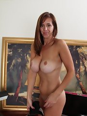 Busty cougar nude